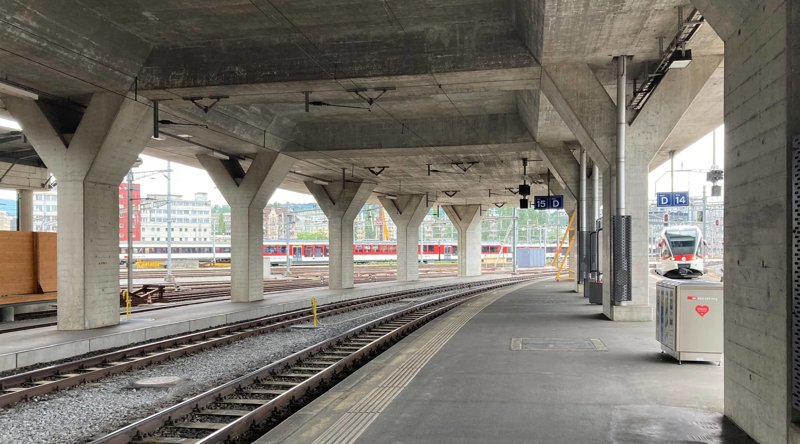 yellow z — Durchgangsbahnhof Luzern